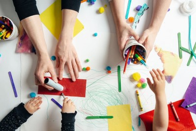 flatlay-children-craft-diy-school
